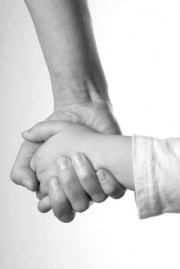 http://asdhelp.files.wordpress.com/2010/08/mom-child-holding-hands.jpg?w=180&h=269